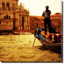 Tablou Canvas Gondolier in Venetia
